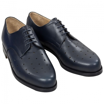 Plain derby shoes with pierced upper