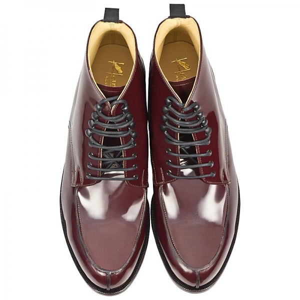 Handcrafted men boots in oxblood calfskin