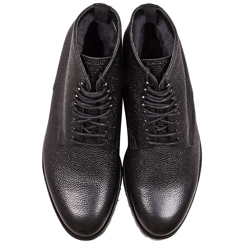 handcrafted black leather boots for men in scotch grain. Black Bedroom Furniture Sets. Home Design Ideas